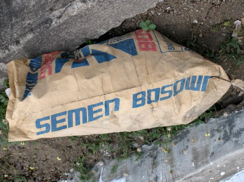 Cement, Ende, Flores, Indonesia